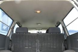 後部座席シートと天井